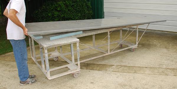 bending-GFRC-concrete-desk