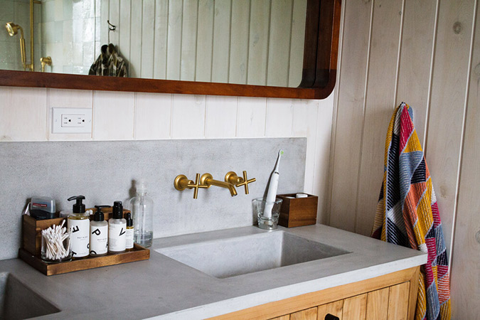 Concrete-vanity-by-Wood-and-Stone-Designs